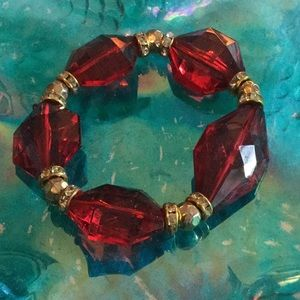 🌹NWOT Outrageous Chunky Red Rhinestones Bracelet